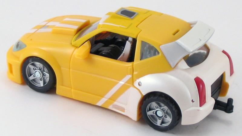 Classics_Bumblebee_Car_10