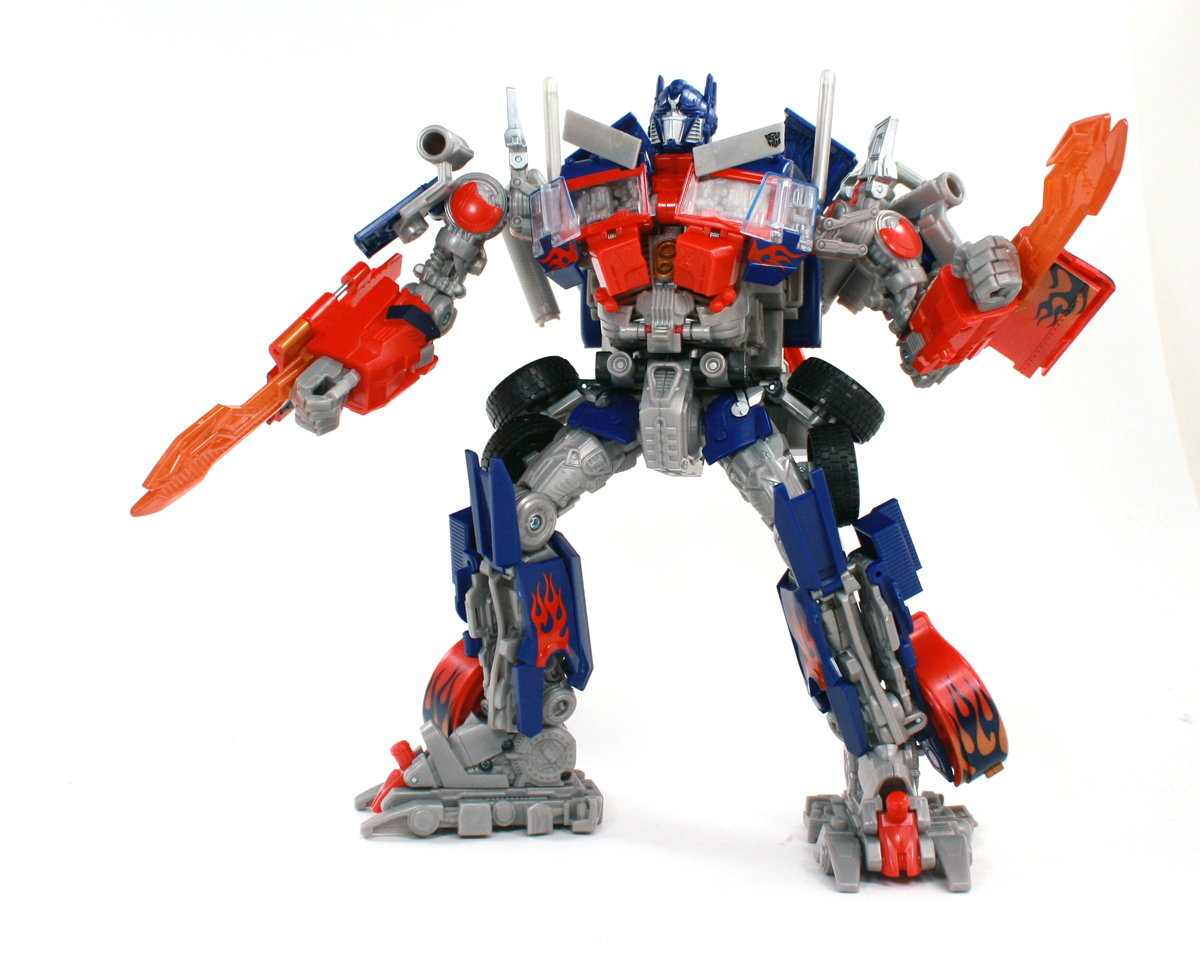 Optimus Prime - Leader Class - Reflector @ TFW2005