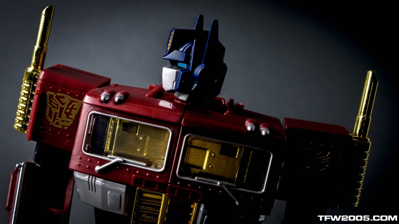 YOTH Masterpiece Optimus Prime 59.jpg