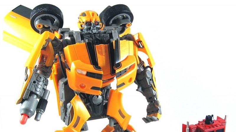002_ultimate_bumblebee